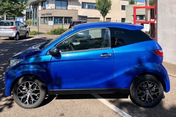 Aixam Coupé Premium bleu saphir 2021 gauche abbvsp